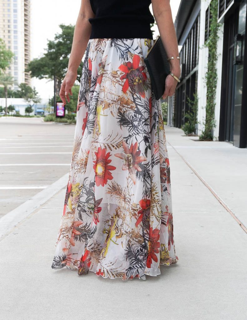 summer gala outfit | white floral print maxi skirt | Everyday Fashion Blog Lady in Violet