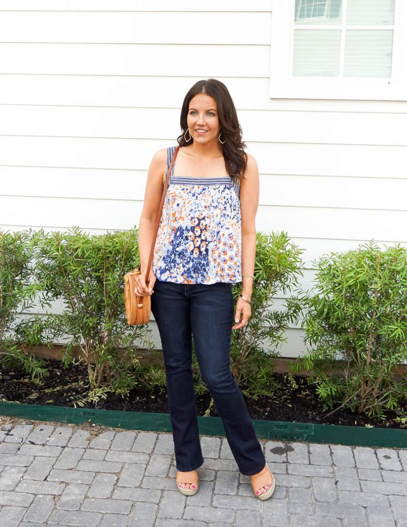 casual fashion | blue and white tank top | dark blue flared jeans | Everyday fashion Blog Lady in Violet
