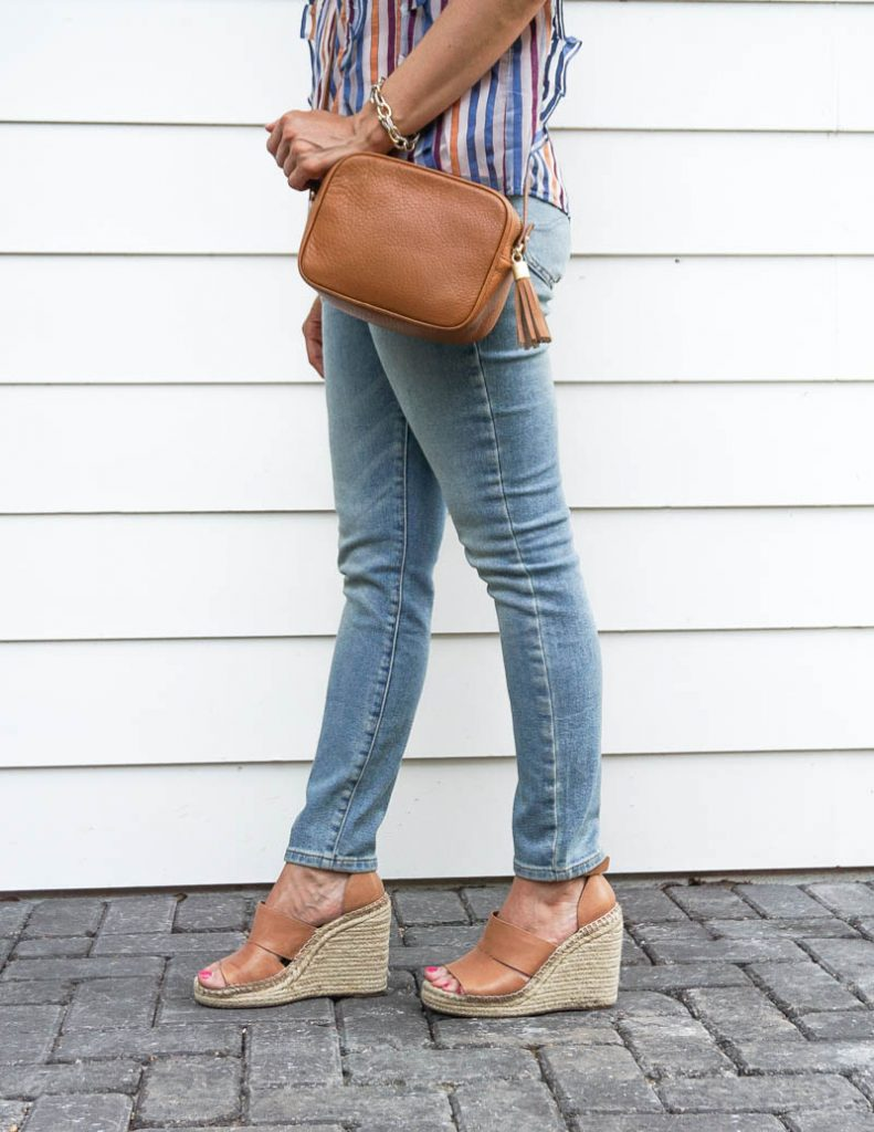 how to style light wash jeans for summer | brown espadrille wedges | Petite Fashion Blogger Lady in Violet