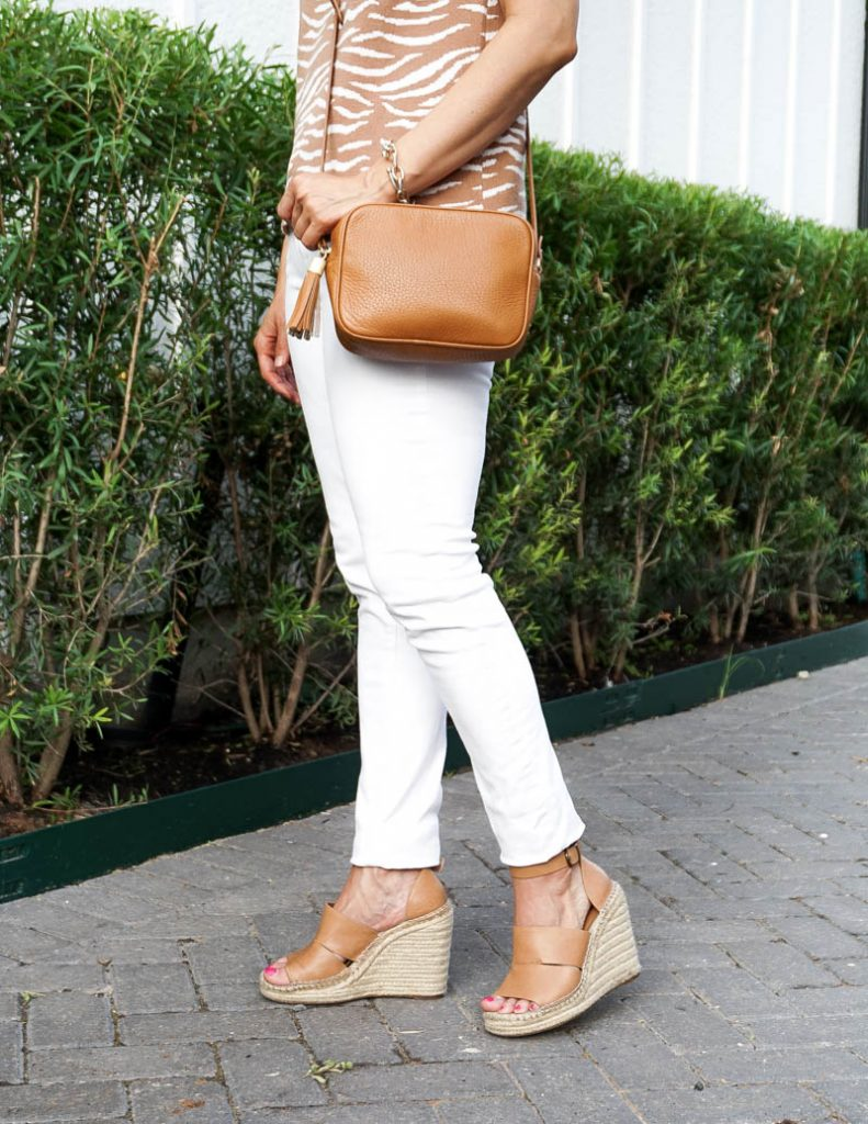 summer style   white skinny jeans   brown espadrilee wedge sandals   Everyday Fashion Blog Lady in Violet