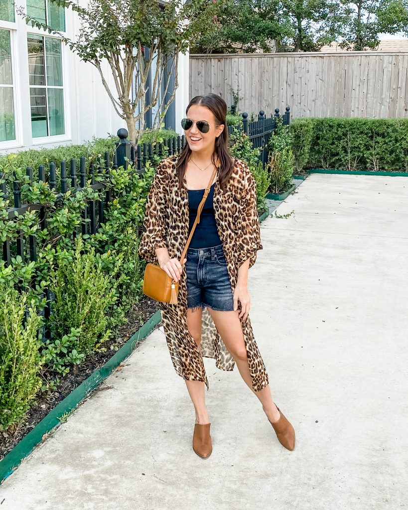 casual outfit | leopard print kimono | black faded jeans shorts | Texas Fashion Blog Lady in Violet