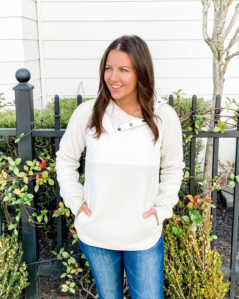 winter fashion | white fleece pullover | abercrombie women | casual fashion blog lady in violet