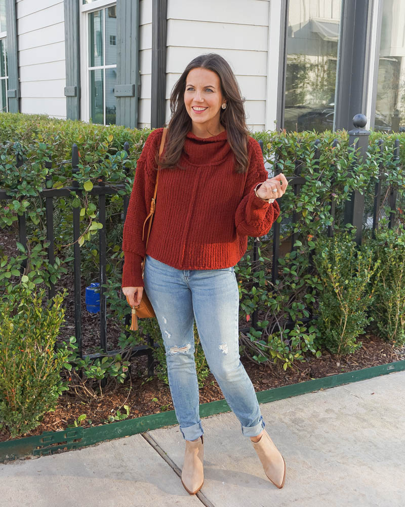 winter outfit | dark rust red cropped sweater | ripped skinny jeans | Houston Fashion Blogger Lady in Violet