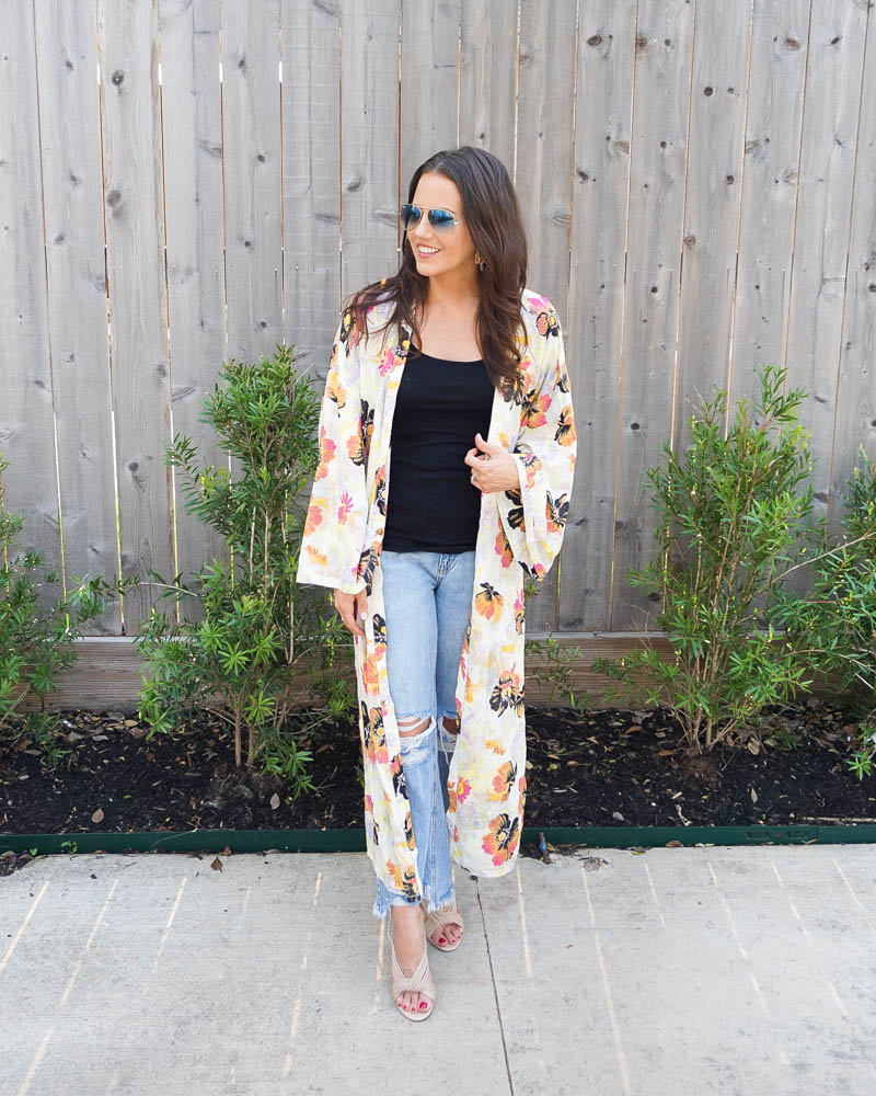 summer outfit   floral print kimono duster   cropped distressed jeans   Petite Fashion Blog Lady in Violet