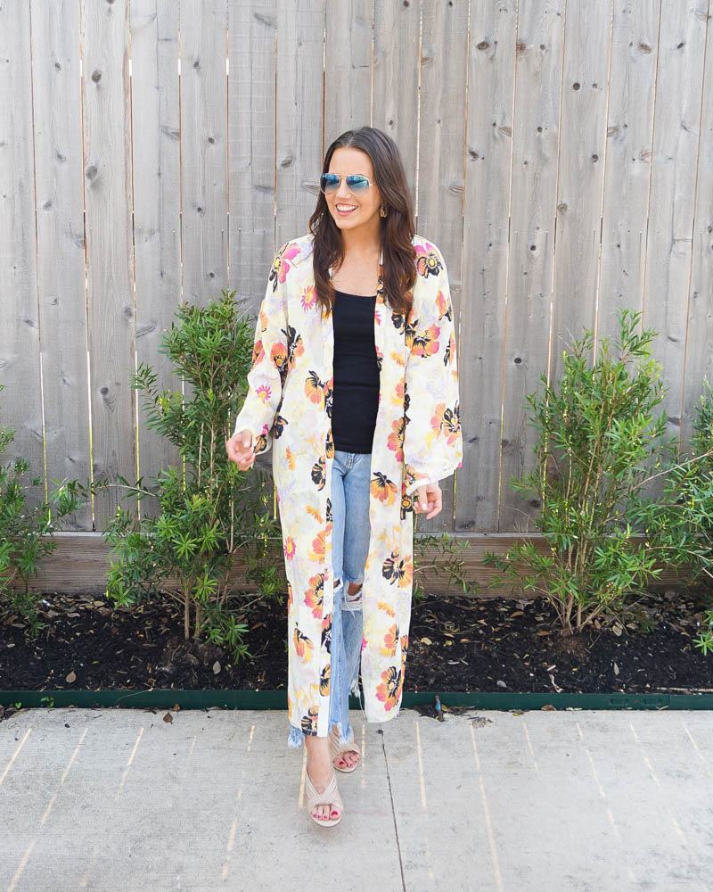 spring outfit   frayed hem jeans for petite women   yellow pink kimono   Petite fashion blogger Lady in Violet