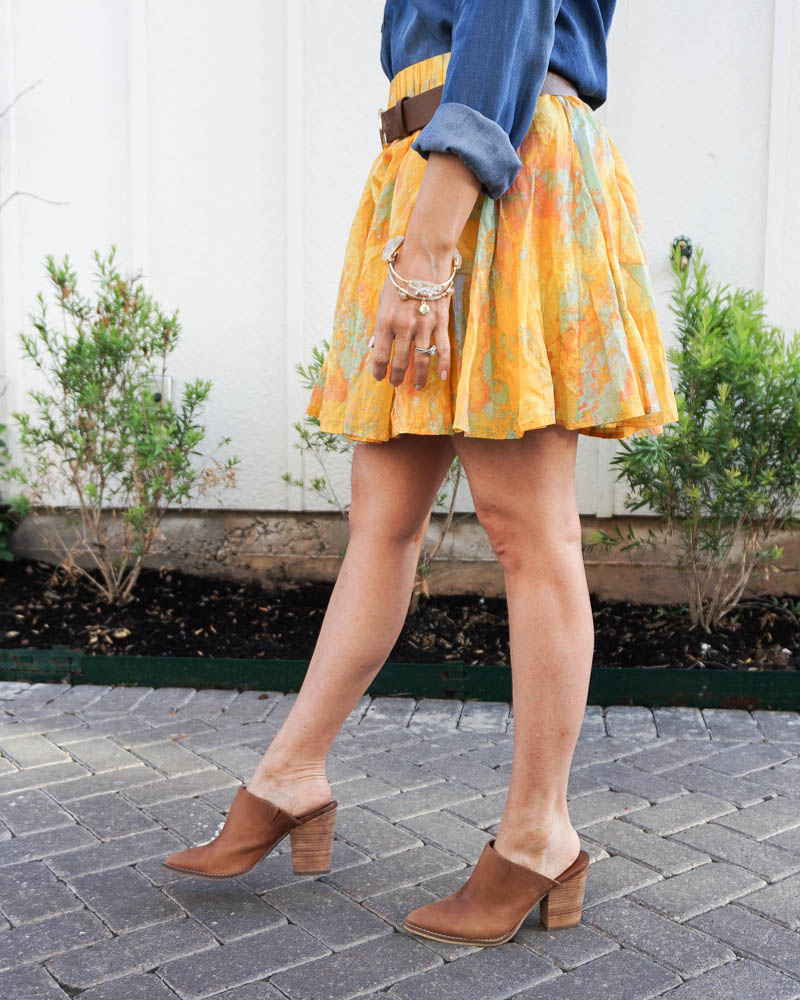 spring outfits | yellow mini skirt | brown mules | american fashion blog lady in violet