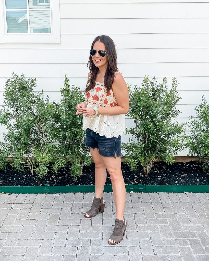 summer outfit | crochet tank top | black jean shorts | Houston Fashion Blog Lady in violet