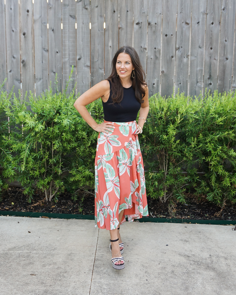 date night outfit | sleeveless black bodysuit | leaf print skirt | Texas Fashion Blogger Lady in Violet